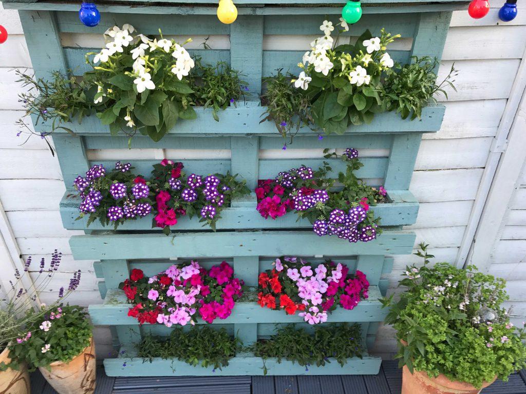 pallet flowers